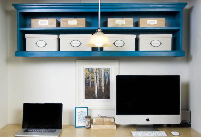 Tiny workspace built inside closet 640_wide