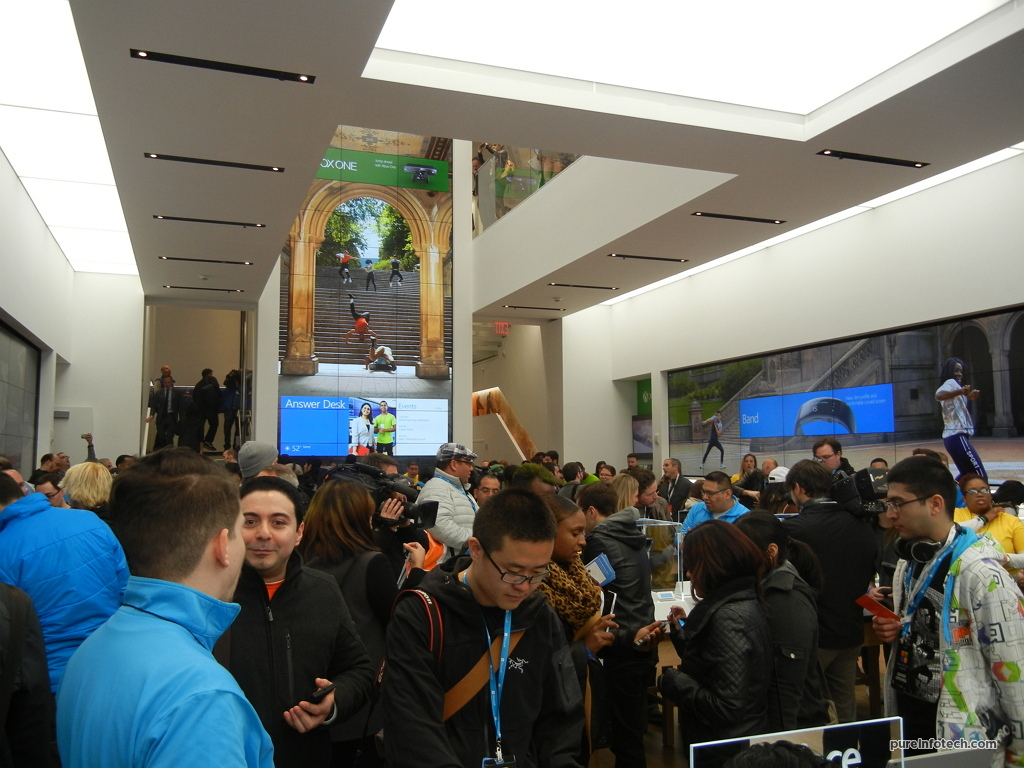 Microsoft Store packed