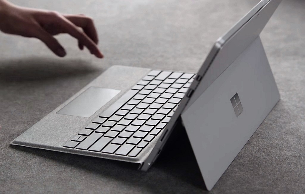 Review Microsoft Alcantara Signature Type Cover For Surface