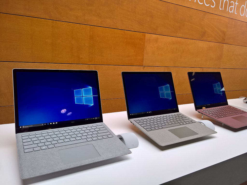 Surface Laptop better than MacBooka